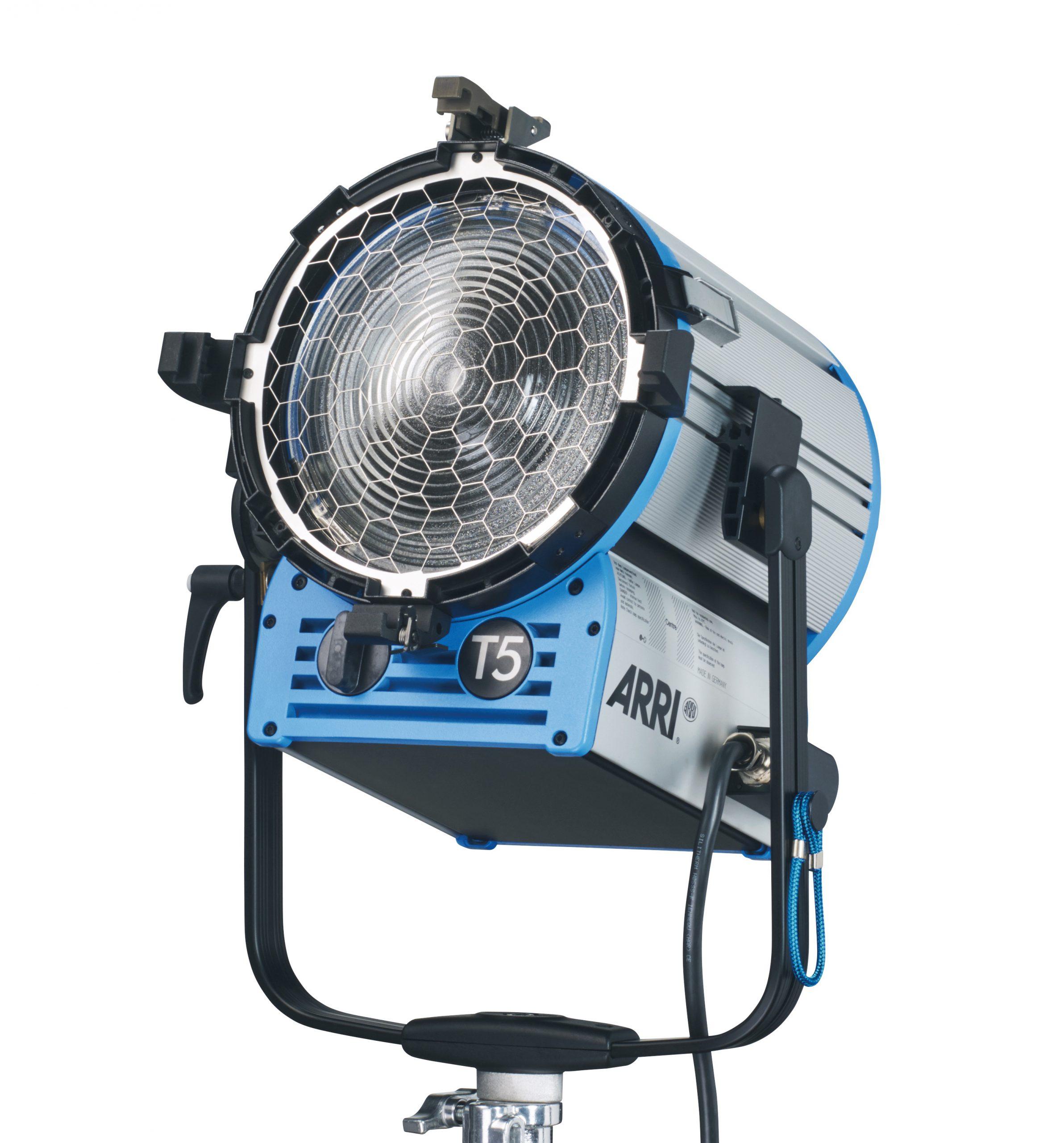 ARRI True Blue T5 MAN. 5000W, 4-Leaf Barndoor, Filter Frame
