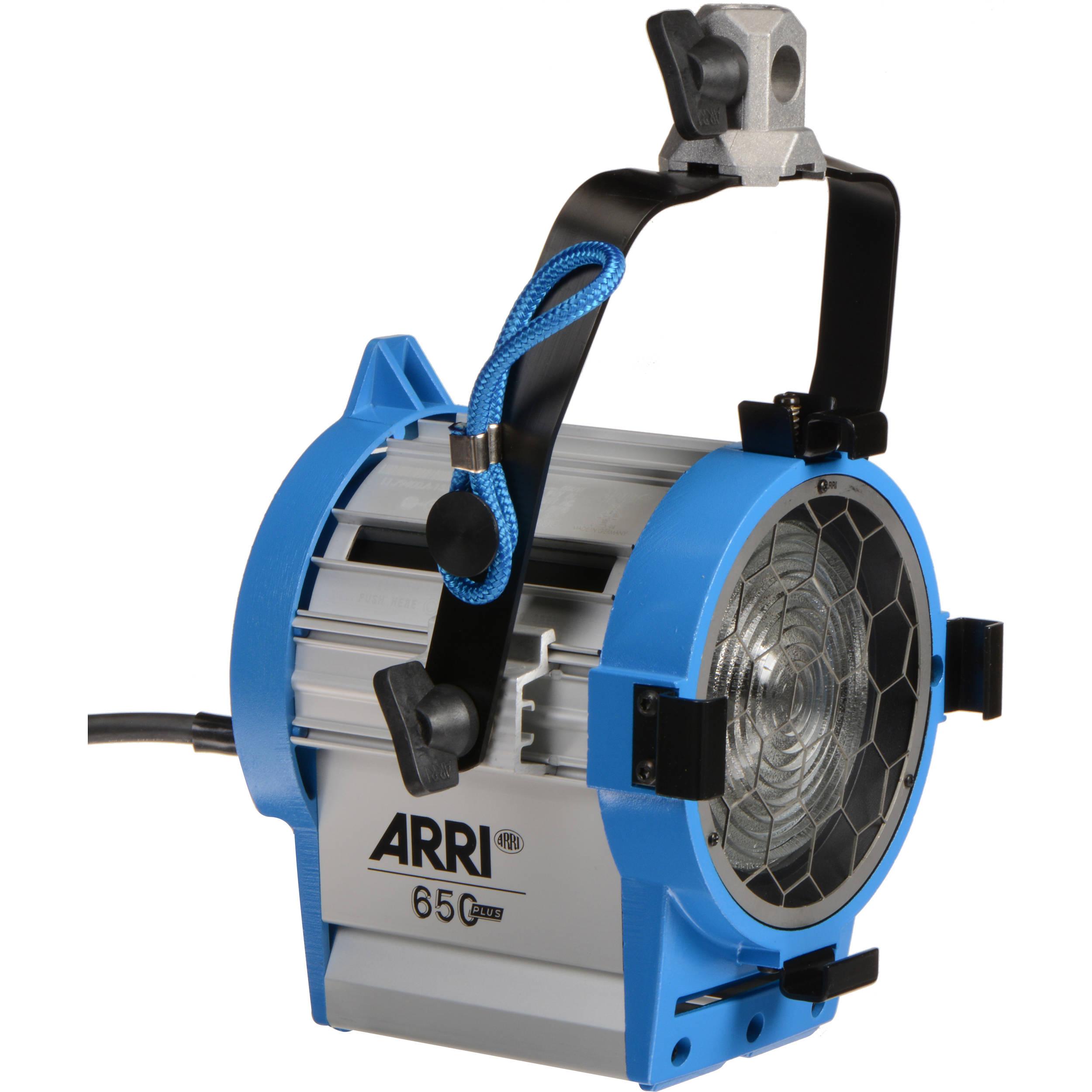ARRI 650W Plus, MAN. Fresnel, 4-Leaf Barndoor, Filterframe, 16mm Bushing; blue/silver , Schuko-Plug